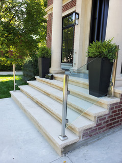 RAILING WITH STAINLESS STEEL POSTS 3