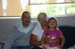 Mis papás y yo felices
