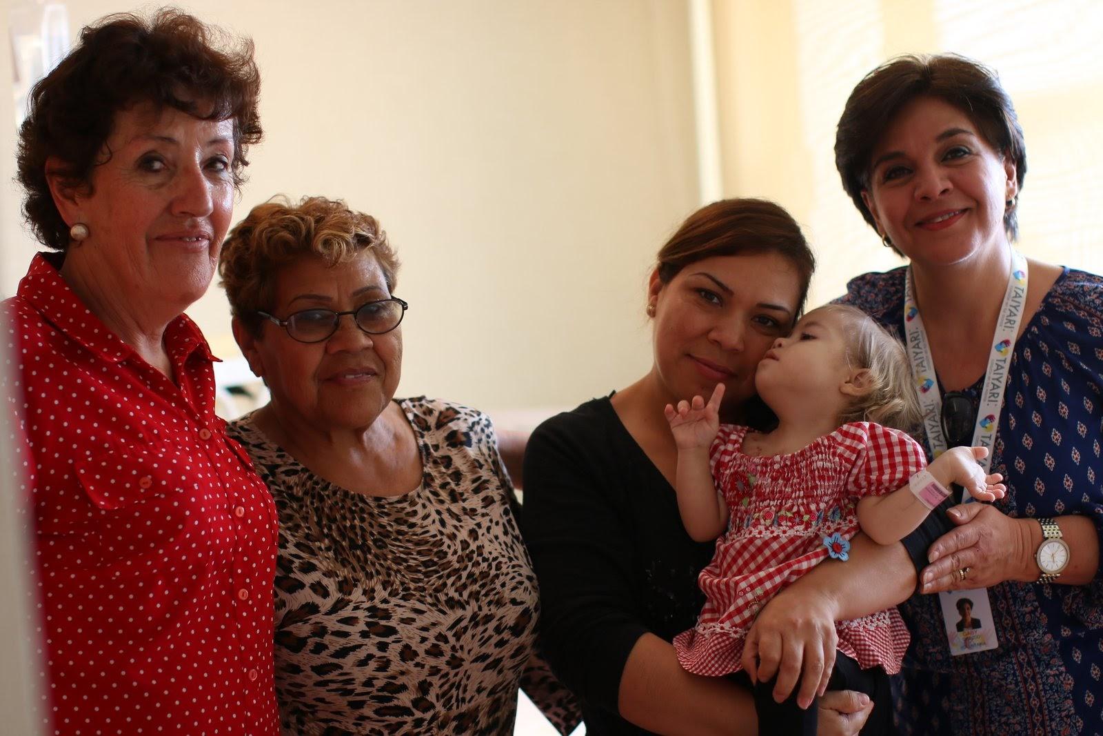 Cristy, mi abuelita, mi mami y Gaby.