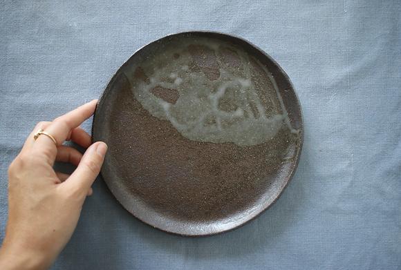 Petite assiette en grès D19cm