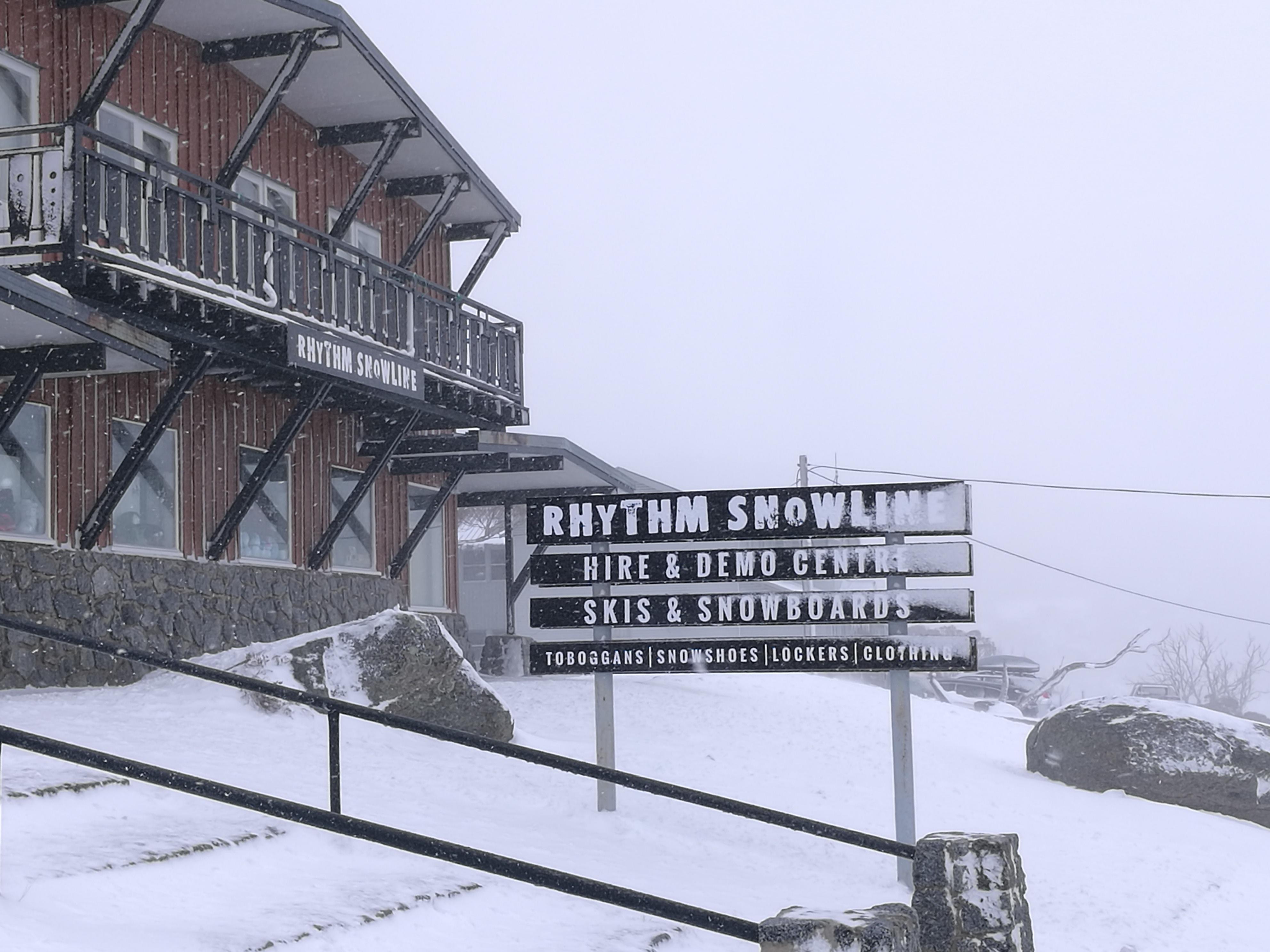 Rhythm Snowline Ski Hire