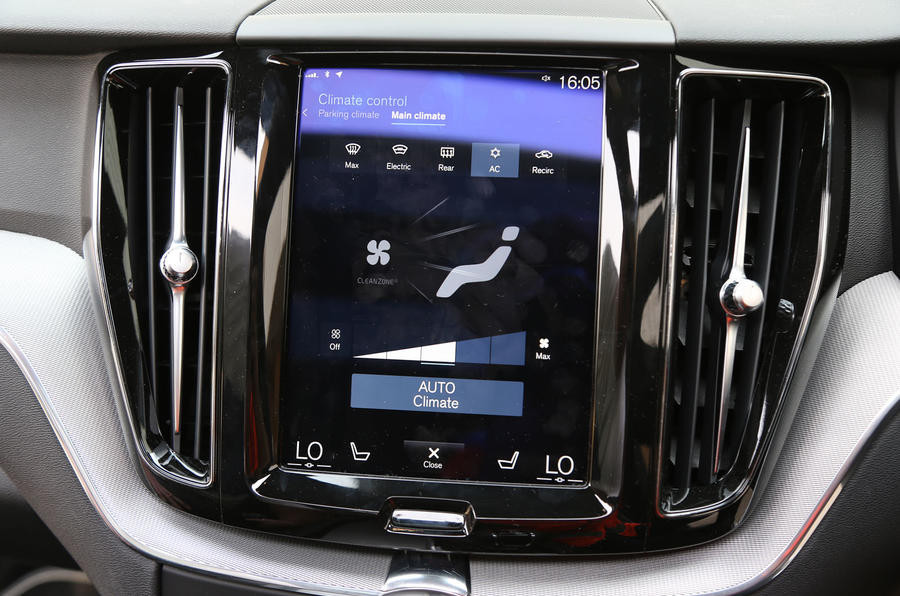 Volvo XC60 Digital Climate Controls that have a graphic of a human to indicate where air will flow to