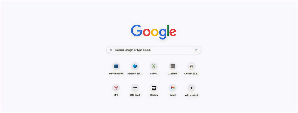 Google web page with ultra simplicity: search bar and personalised shortcuts