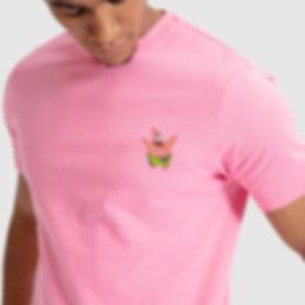 homem camiseta rosa patrick.jpg