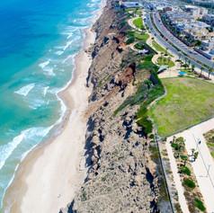 חוף נתניה.jpg
