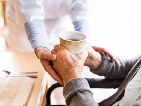 Covid: Care homes policies violated human rights, says Amnesty