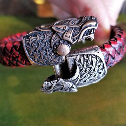 Wolf Clasp Bracelet