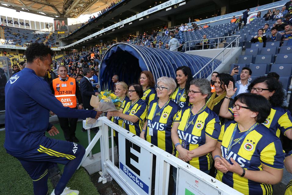 Avis Fenerbahçe Anneler Günü Kutlaması Şükrü Saraçoğlu Stadyumu Etkinlik Fotoğrafı #07