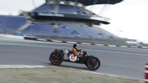 Nürburgring_Mercedes_Benz_Kurve-037.JPG