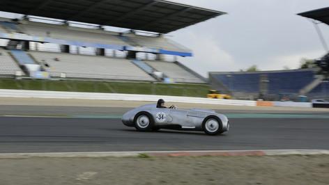 Nürburgring_Mercedes_Benz_Kurve-010.JPG