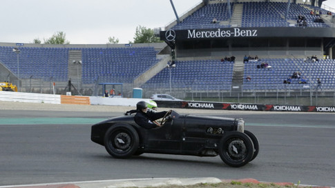 Nürburgring_Mercedes_Benz_Kurve-027.JPG