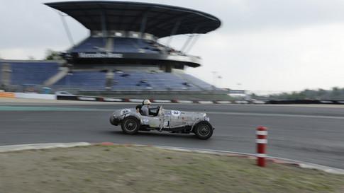Nürburgring_Mercedes_Benz_Kurve-022.JPG