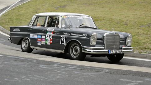 Nürburgring_Karussell_außen-005.JPG