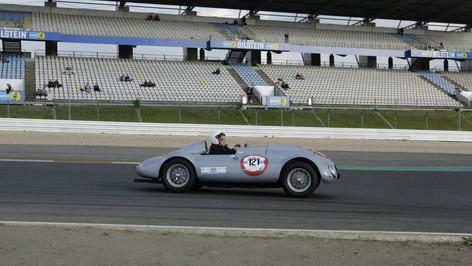 Nürburgring_Mercedes_Benz_Kurve-024.JPG