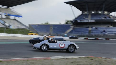 Nürburgring_Mercedes_Benz_Kurve-043.JPG