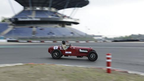 Nürburgring_Mercedes_Benz_Kurve-018.JPG