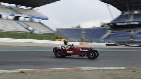 Nürburgring_Mercedes_Benz_Kurve-017.JPG