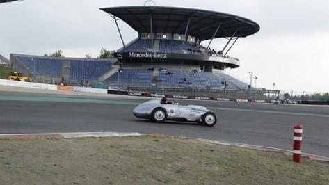 Nürburgring_Mercedes_Benz_Kurve-023.JPG
