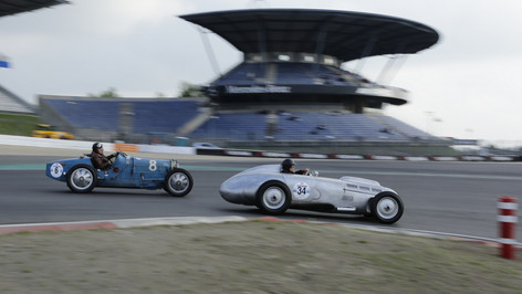 Nürburgring_Mercedes_Benz_Kurve-048.JPG