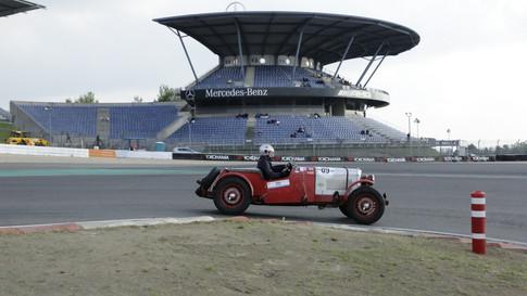 Nürburgring_Mercedes_Benz_Kurve-031.JPG