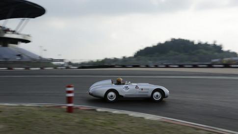 Nürburgring_Mercedes_Benz_Kurve-016.JPG