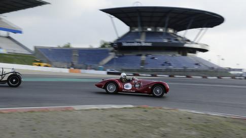 Nürburgring_Mercedes_Benz_Kurve-045.JPG