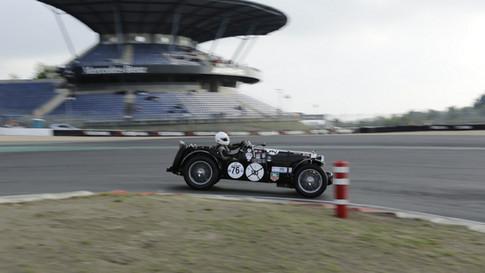 Nürburgring_Mercedes_Benz_Kurve-011.JPG