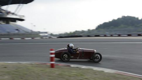 Nürburgring_Mercedes_Benz_Kurve-019.JPG