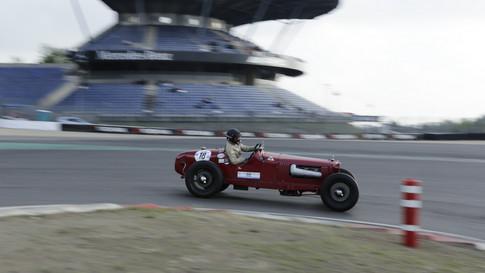 Nürburgring_Mercedes_Benz_Kurve-038.JPG