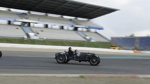 Nürburgring_Mercedes_Benz_Kurve-015.JPG