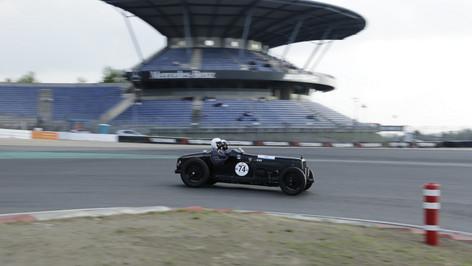 Nürburgring_Mercedes_Benz_Kurve-034.JPG