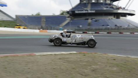 Nürburgring_Mercedes_Benz_Kurve-002.JPG