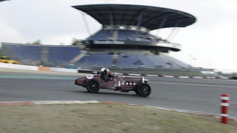 Nürburgring_Mercedes_Benz_Kurve-012.JPG