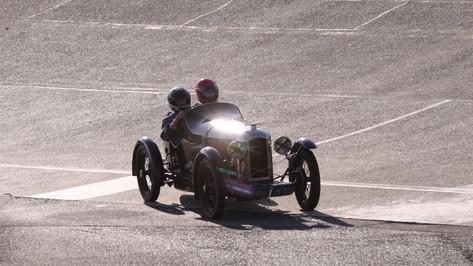 Montlhéry 2011_01-014.JPG