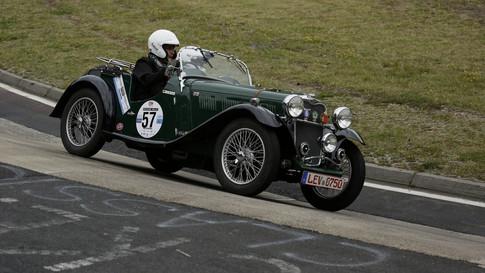 Nürburgring_Karussell_außen-045.JPG