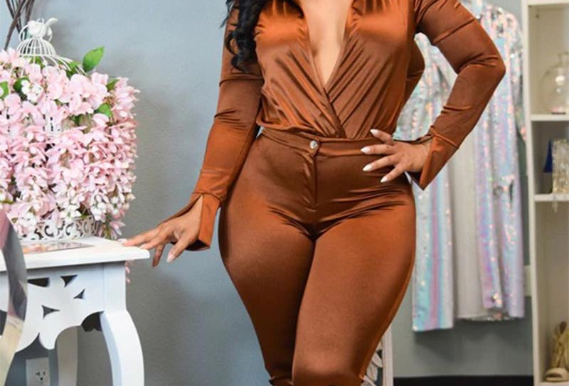 BROWN TWO PIECE SET WITH SPLIT ON THE SLEEVE