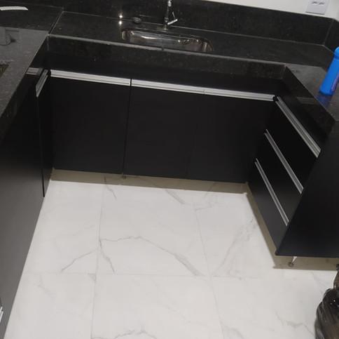 Cozinha em MDF preto e Branco TX