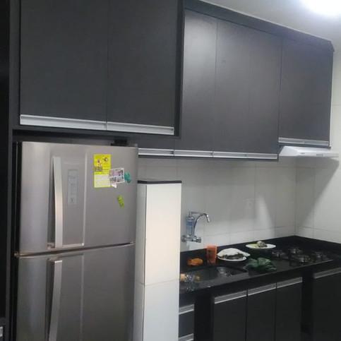 Cozinha planejada em MDF preto TX
