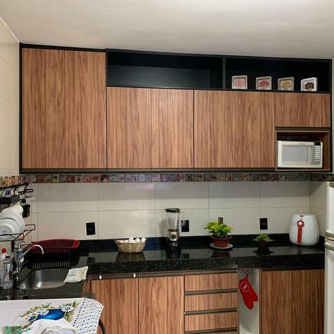 Cozinha Planejada em Amendola Rustica com preto TX