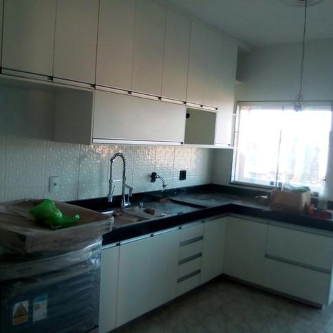 Cozinha planejada e armário para banheiro
