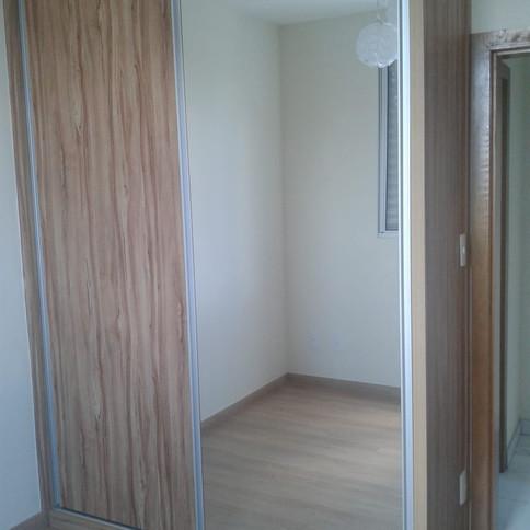Guarda roupa em Amendola Rustica com 1 porta de espelho