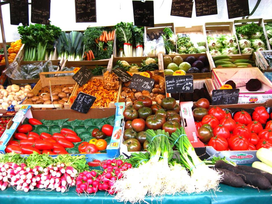 Visit the local markets of Paris