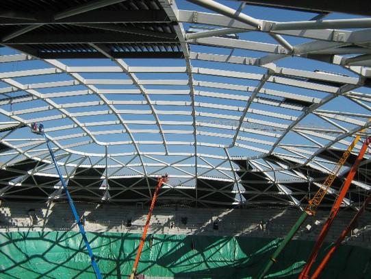 Jeklena-konstrukcija-strehe-ŠD-Stožice.j