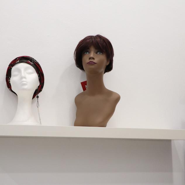 corsetería / gorros / pelucas