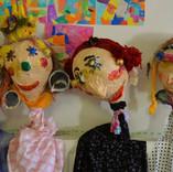 marionnettes réalisées par familles.jpg