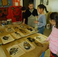 Portraits au fusain et encres végétales sur vieux papiers