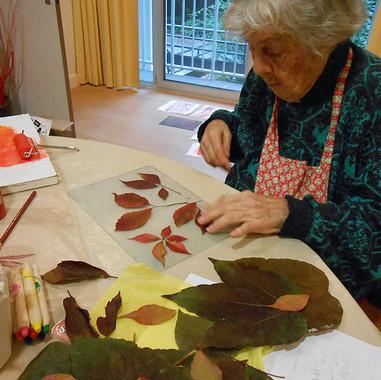 atelier d'arts plastiques avec personnes âgées en maison de retraite à Marcq en Baroeul (Nord)