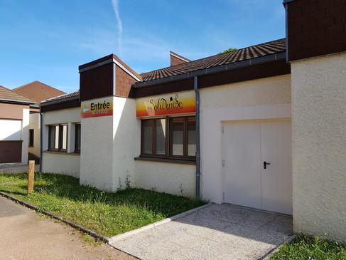 Devanture de l'école Solidanse à Longvic (Dijon)