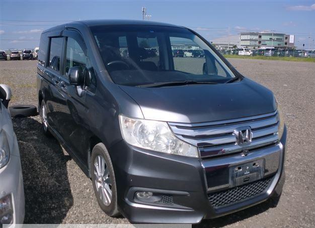 Honda Stepwagon ZS