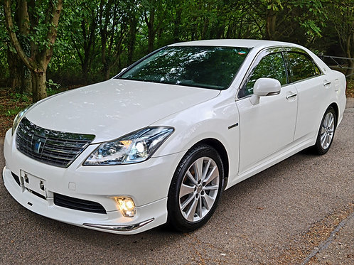 Toyota Crown Hybrid Automatic ULEZ Compliant